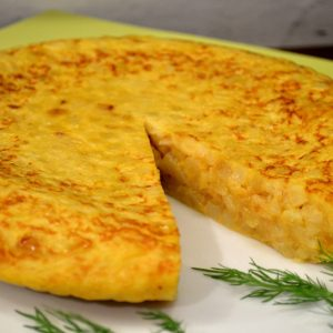 Truita-de-patata-i-ceba-caramelitzada-1030x685